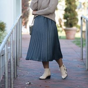 Brand new, denim midi pleated skirt (small)